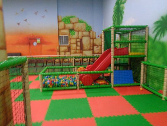 Children Entertainment Center Bumerang