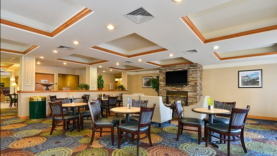 Holiday Inn Express Great Barrington: Breakfast Area