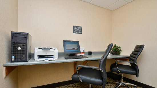Holiday Inn Express Great Barrington: Business Center