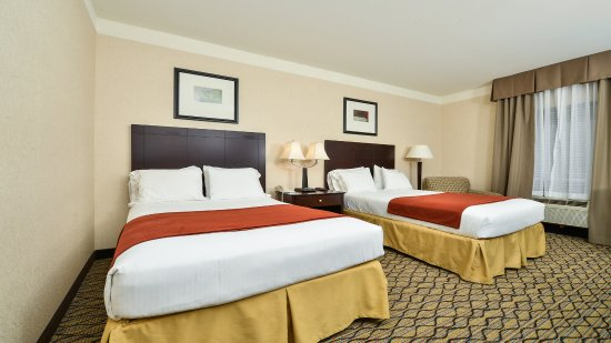 Holiday Inn Express Great Barrington: Two Double Bed Nonsmoking