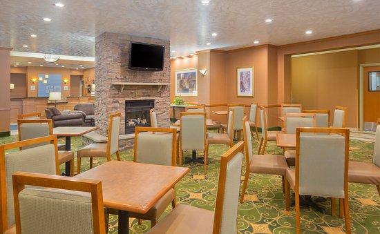 Holiday Inn Express: Breakfast Area