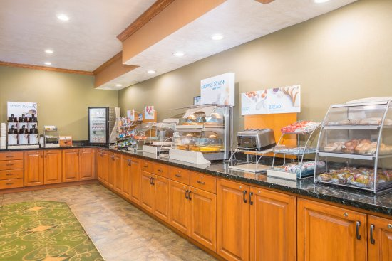 Holiday Inn Express: Breakfast Bar