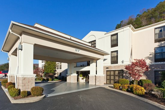 Holiday Inn Express Middlesboro : Hotel Exterior