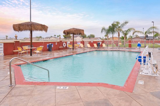 Swimming Pool Photo De Holiday Inn Express El Centro El Centro Tripadvisor