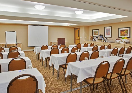 Modesto, Califórnia: Host your Board Meeting with ease with our Staff's Help