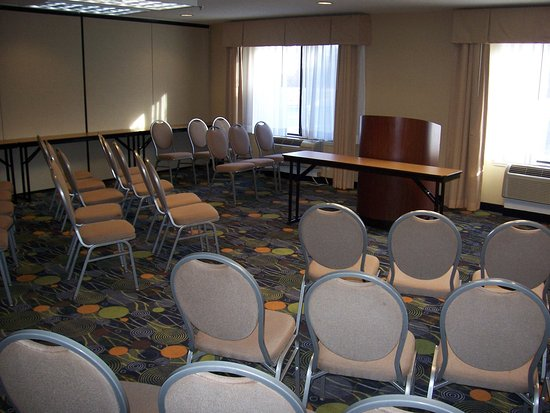 Holiday Inn Express Hotel & Suites Raleigh North - Wake Forest : Meeting Room