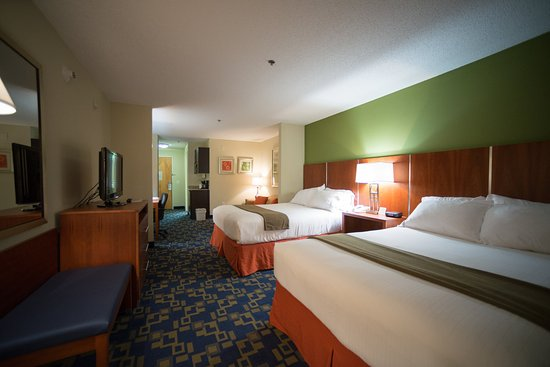 Holiday Inn Express Hotel & Suites Raleigh North - Wake Forest: Two Queen Bed Suite w/ jet tub, sitting area, microwave & fridge