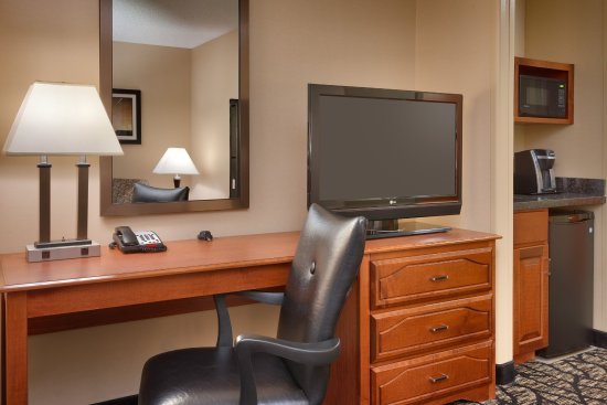 Holiday Inn Express Hotel & Suites Grand Junction: King Suite Work Area