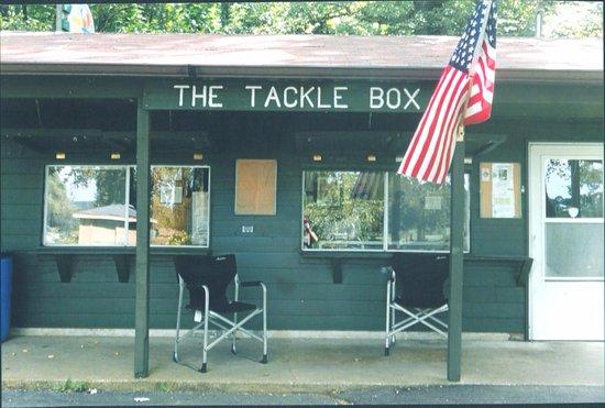 Bolingbrook, إلينوي: The Hidden Lakes Tackle Box Bait Shop