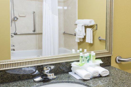 Duncanville, TX: Guest Bathroom
