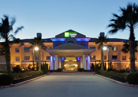 Holiday Inn Express Pearland: Hotel Exterior
