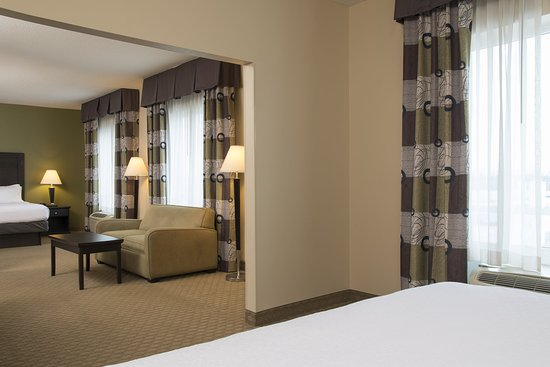 Maumee, OH: Suite