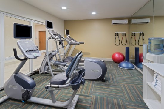 Tavares, FL: Work out in our well-equipped Fitness Center