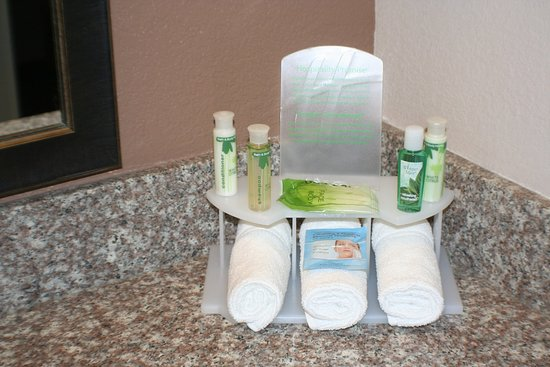 Houghton, MI: Bath and Body Works guest room amenities