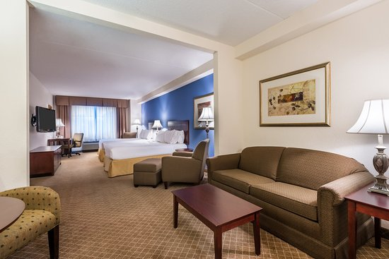 Webster, Estado de Nueva York: Spacious Double Queen Suites provide room for the whole family