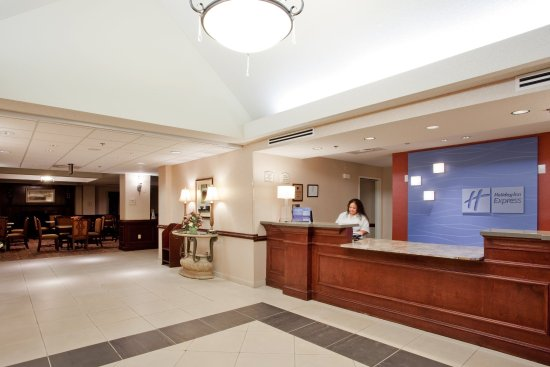 Holiday Inn Express Chesapeake: Welcome to Holiday Inn Express & Suites Chesapeake