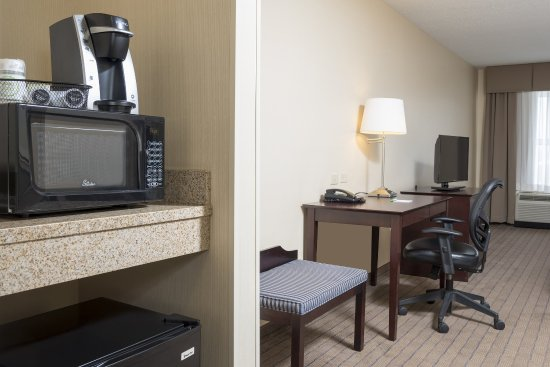Aurora, IL: Mini Refrigerator, Microwave, and Keurig Coffee Makers in each roo