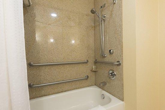 Aurora, IL: ADA Accessible Guest Bath Tub