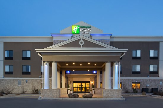 Warm Welcome to the Holiday Inn Express in Las Vegas, New Mexico