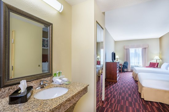 Holiday Inn Express Hotel & Suites: ADA/Handicapped accessible Double Guest Room