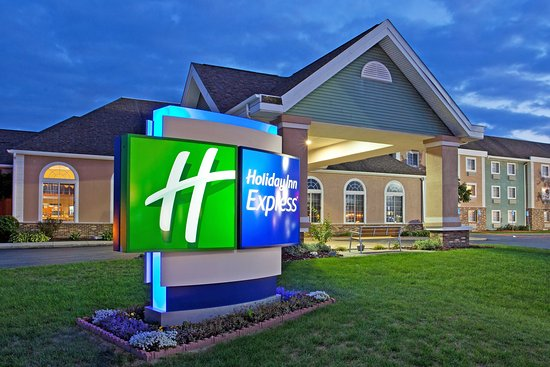Holiday Inn Express Birch Run (Frankenmuth Area): Hotel Exterior