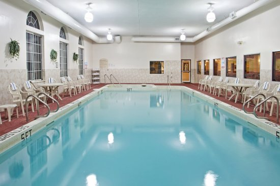 Holiday Inn Express Birch Run (Frankenmuth Area): Swimming Pool