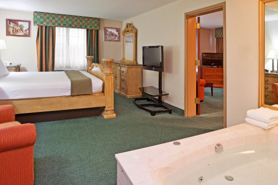 Holiday Inn Express Birch Run (Frankenmuth Area): Presidential Suite