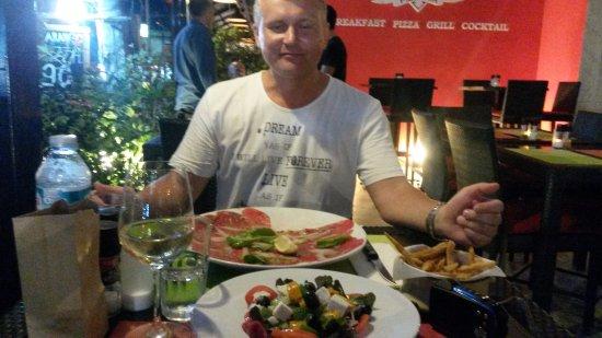 Farango Pizzeria : Great carpaccio!