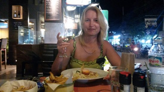 Farango Pizzeria : My wife likes carbonara!