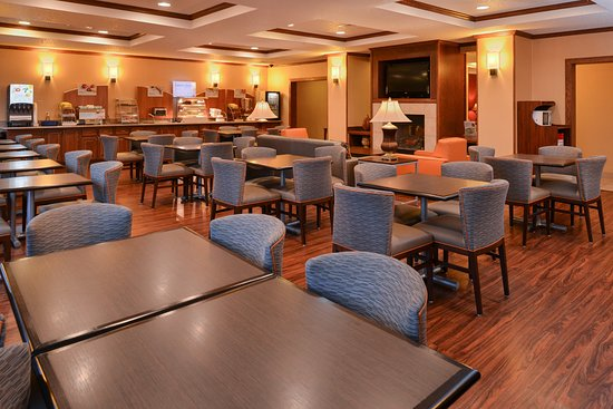 Lititz, PA: Complimentary breakfast area