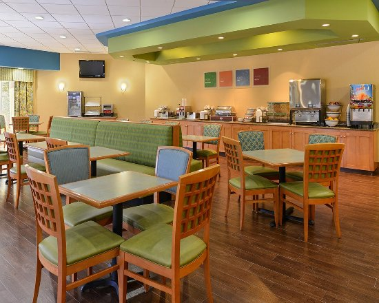 Comfort Inn Orlando/ Lake Buena Vista: Breakfast