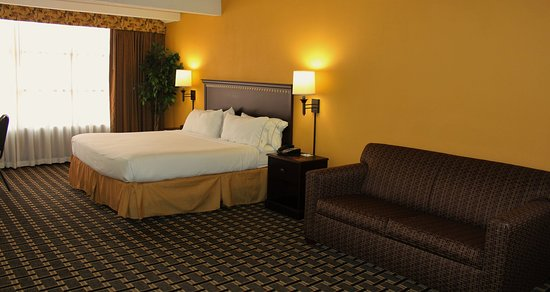 Lexington, SC: Be comfortable and relaxed when working from home in our king beds