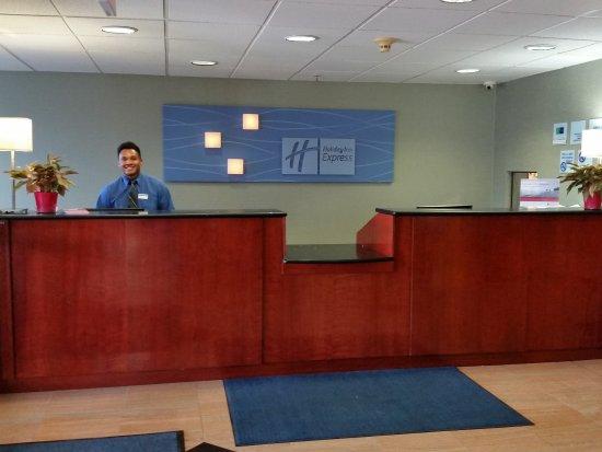 Holiday Inn Express Hotel & Suites Allentown - Dorney Park Area: Front Desk