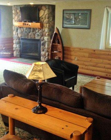 Hometown Inn: Lobby