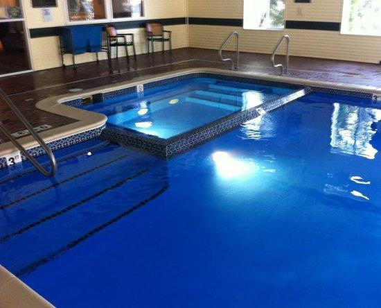 Hometown Inn: Pool