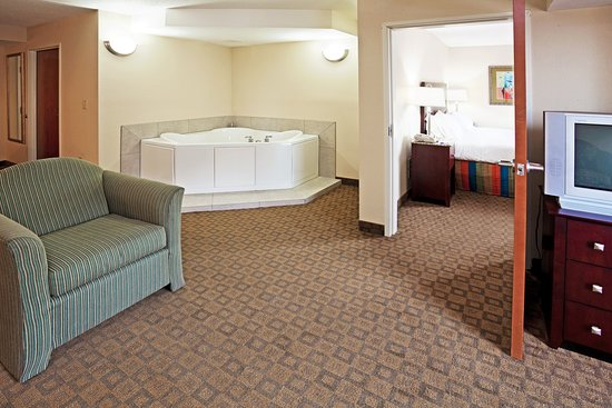 Petersburg, VA: In Room Whirlpool