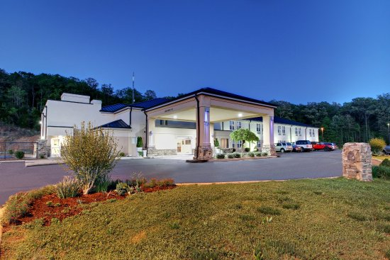 Holiday Inn Express Hurricane Mills (Waverly)