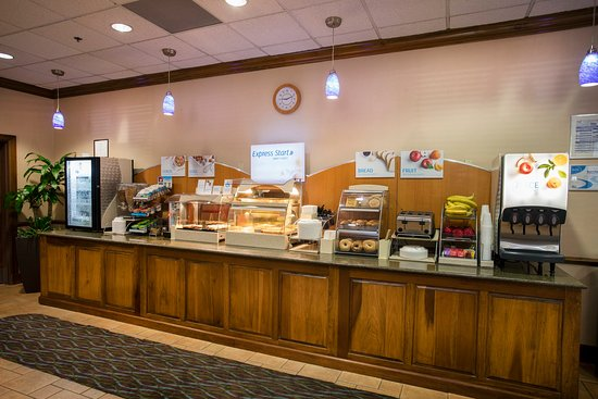 Athens, GA: Holiday Inn Express complimentary breakfast for registered guests
