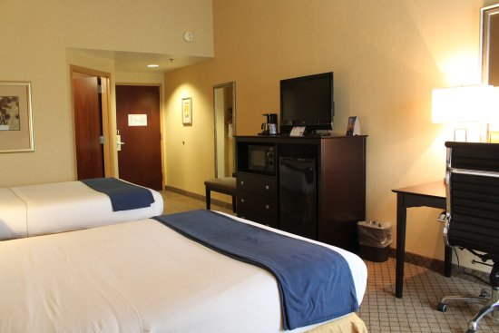 Holiday Inn Express-New Columbia Double Bed Guest Room