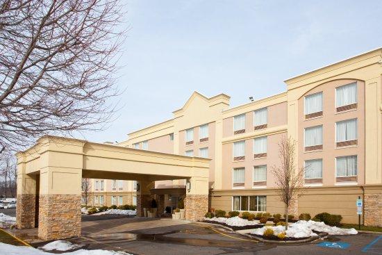 West Long Branch, NJ: Hotel Exterior