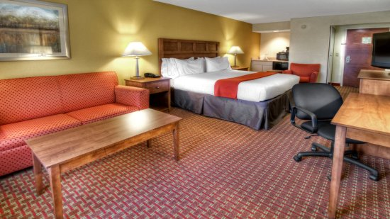 Greenville, NC: King Suite
