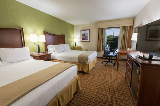 Holiday Inn Express Asheville: Two Queen Beds - Great For Families Visiting Asheville