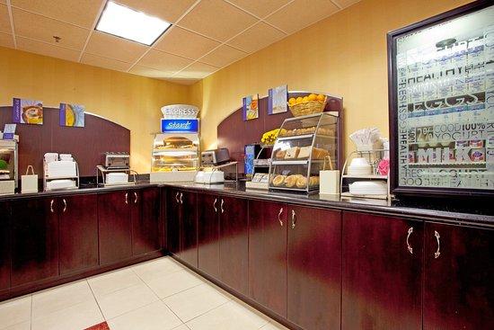 Port Wentworth, GA: Breakfast Bar