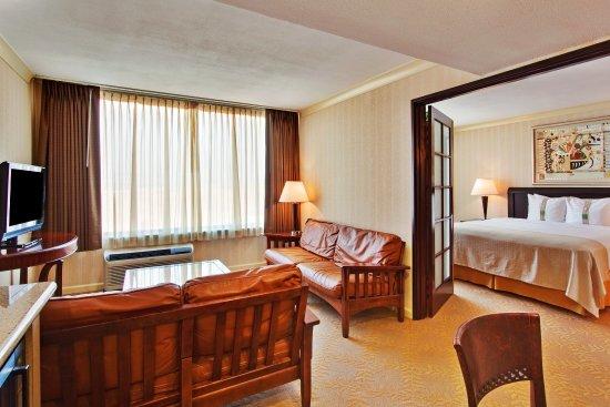 Diamond Bar, CA: One Bedroom Suite