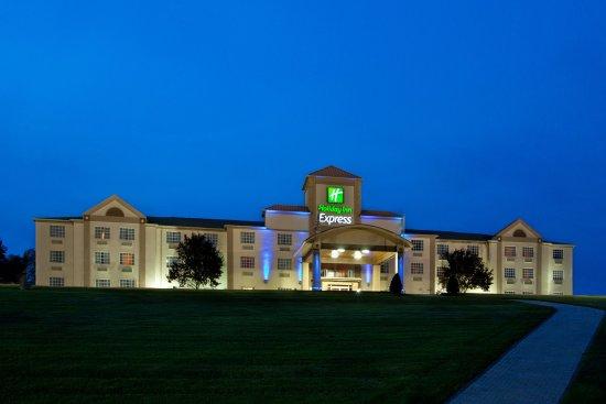 Delmont, PA: Hotel Exterior