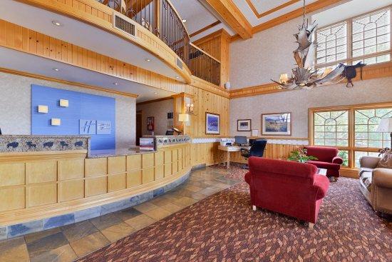 Holiday Inn Express & Suites Elko Front Desk