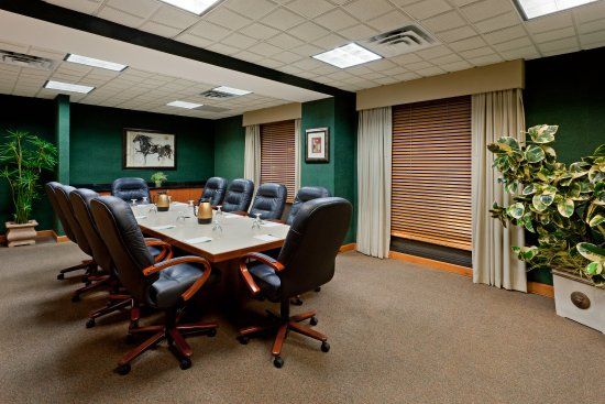 Garden City, NY: MeetingRoom