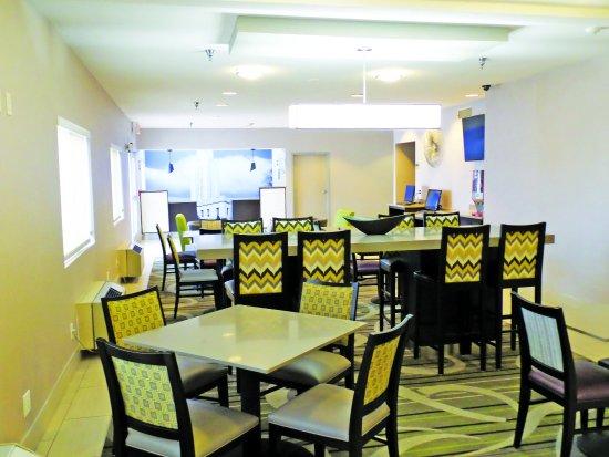 La Quinta Inn Lincoln : LobbyView
