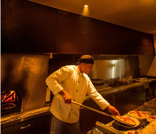 Villa Rasa: Pizza do forno a lenha
