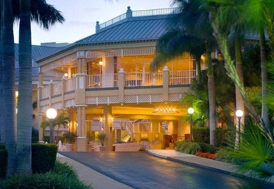 Sanibel Harbour Marriott Resort & Spa: Sanibel Tower Entrance